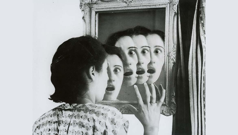"""Résultat de recherche d'images pour """"DE L'AUTRE CÔTÉ PHOTOGRAPHIES DE JEANNE MANDELLO, HILDEGARD ROSENTHAL ET GRETE STERN"""""""